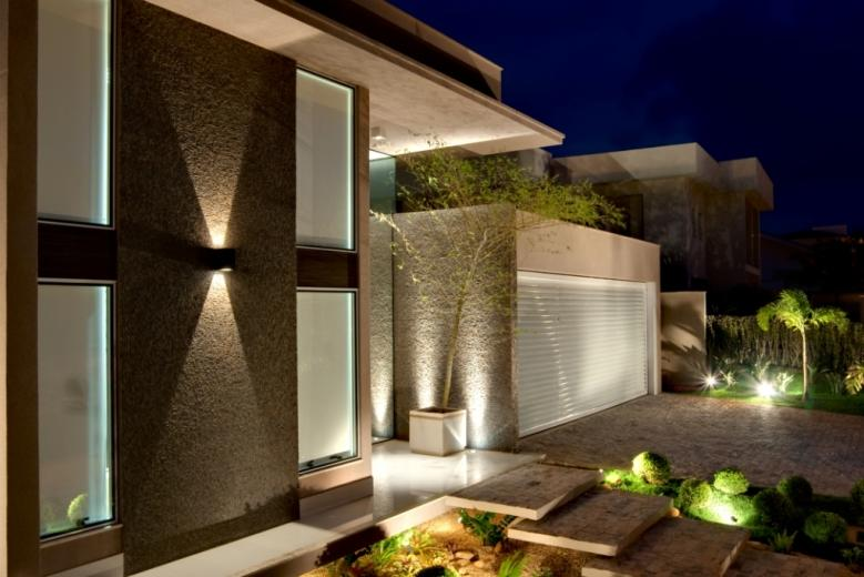 Fotos de fachadas de casas modernas e bonitas decorando for Casas pequenas bonitas y modernas