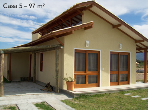 Fachadas de casas pequenas com varanda fotos decorando casas for Ideas para construccion de casas pequenas
