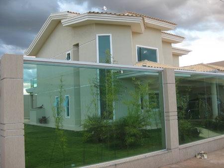 Fachadas de casas modernas com muros fotos decorando casas - Imagenes de fachadas de casas ...