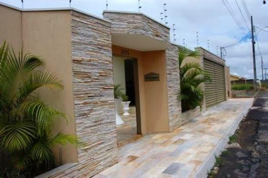 Modelos de revestimento barato para parede externa for Casa moderna 7x15