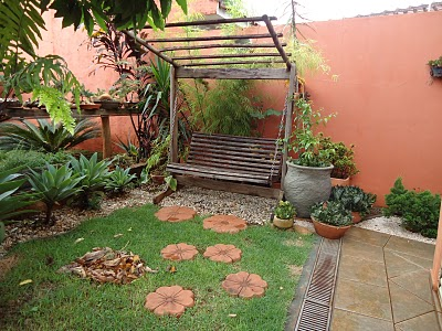 Dicas de decora o de jardim r stico fotos decorando casas for Jardines pequenos y baratos