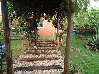 Dicas de decora o de jardim r stico fotos decorando casas for Ideas de jardines rusticos