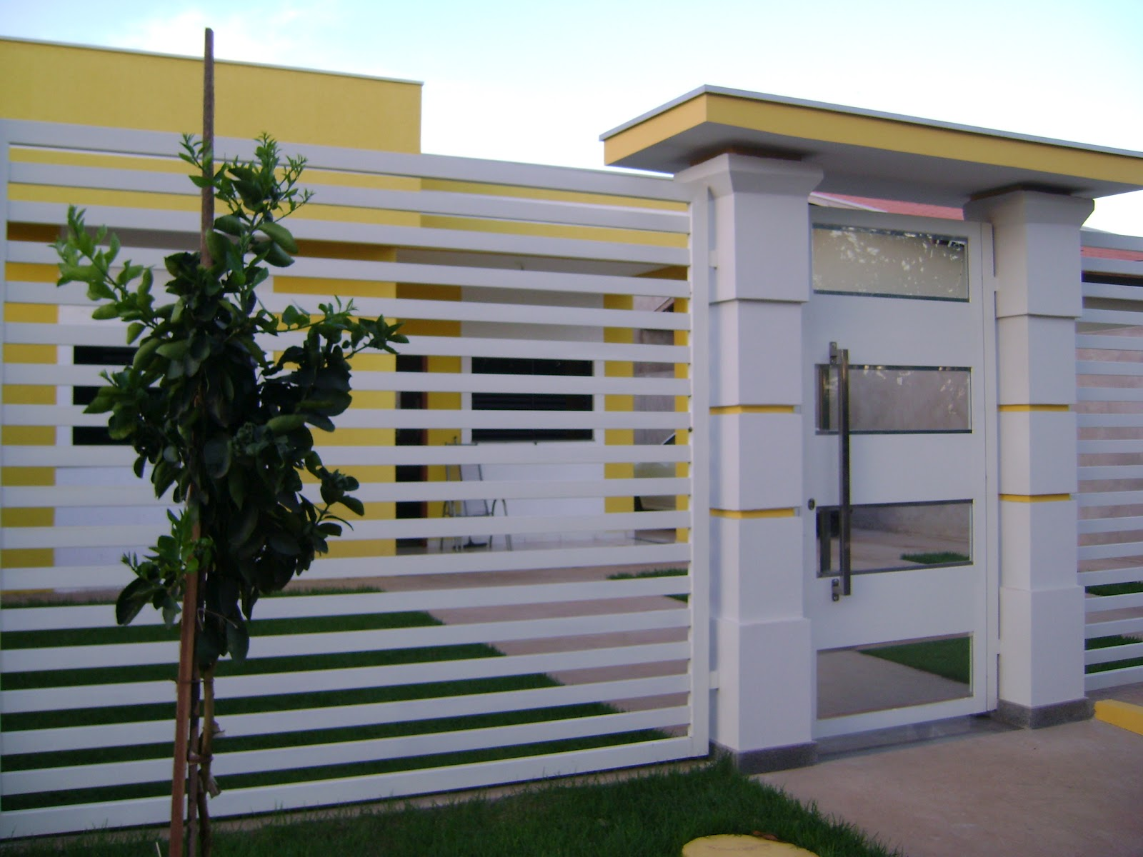 Fachadas de casas modernas com port o decorando casas for Portal de inmobiliarias
