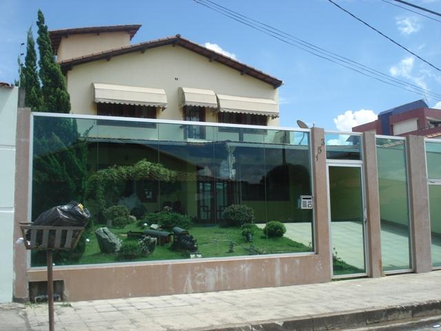 muros-vidro-madeira-casas