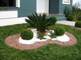 Jardins de casas simples e pequenas decorando casas for Piedras jardin baratas