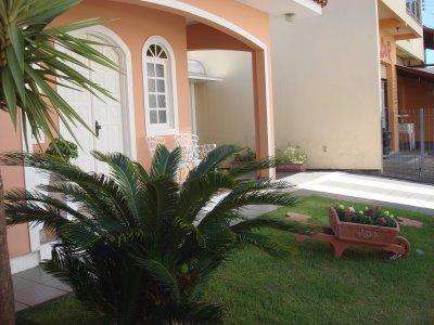 Jardins de casas simples e pequenas decorando casas for Jardines para frentes de casas pequenas