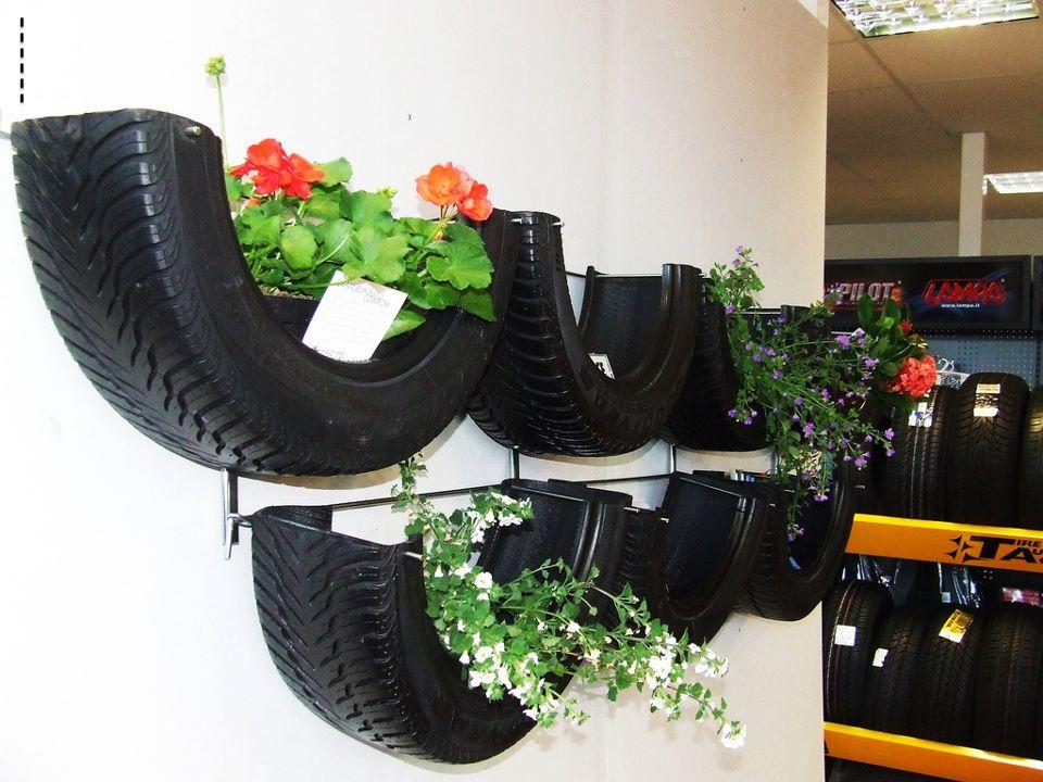decoracao muros jardim:Decoração de jardim com material reciclado