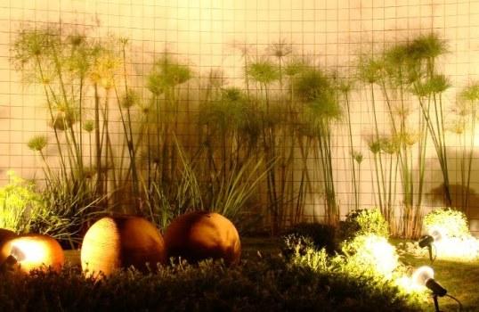fazer iluminacao jardim:Iluminação de jardim de inverno