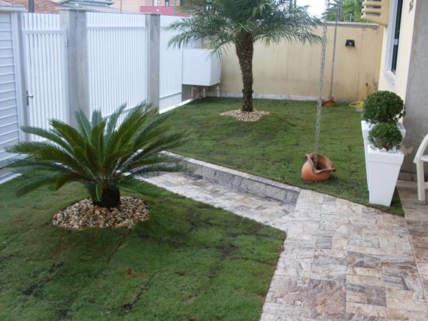 Modelos de jardins residenciais para frente de casa for Jardines pequenos para frentes de casas