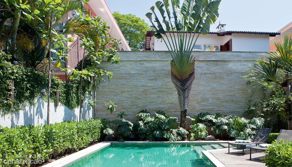 fotos jardim paisagismo:Dicas de paisagismo e jardinagem com piscina