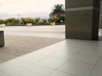 Dicas de pisos de porcelanato para exteriores decorando for Modelos de pisos para exteriores