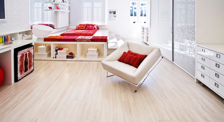 pisos-vinílicos-vantagens-desvantagens