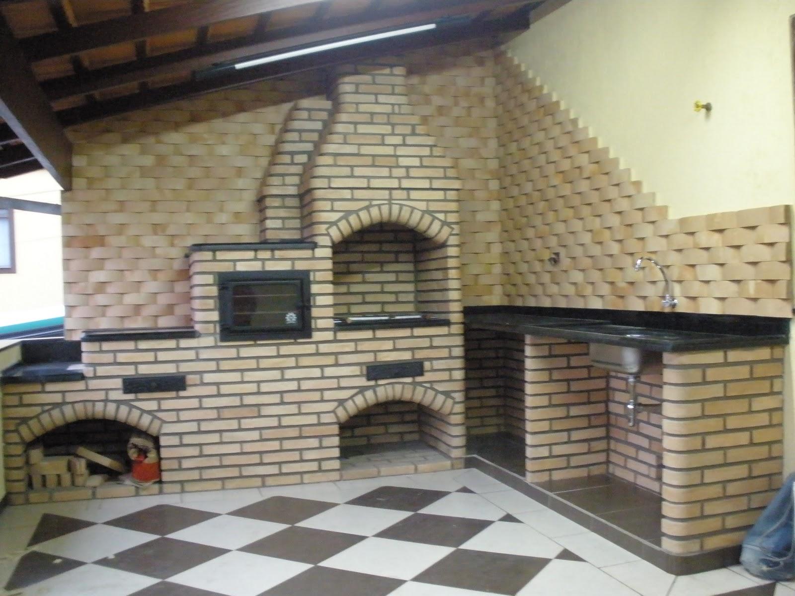 Projetos de churrasqueiras de tijolos Decorando Casas #7D734E 1600 1200