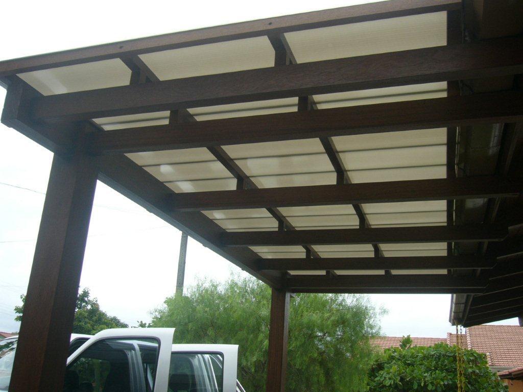 Excepcional Garagem com pergolado de madeira, vidro e policarbonato  KO78