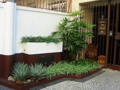 Paisagismo e jardinagem em pequenos espa os decorando casas for Jardines pequenos simples