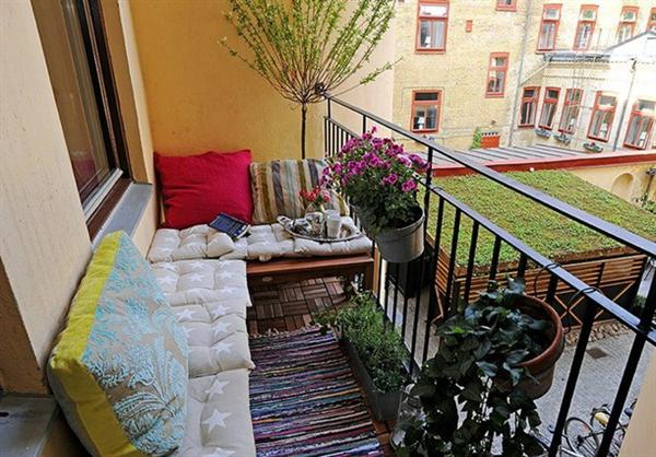 Decora o varanda pequena e simples decorando casas for Cool apartment patio ideas