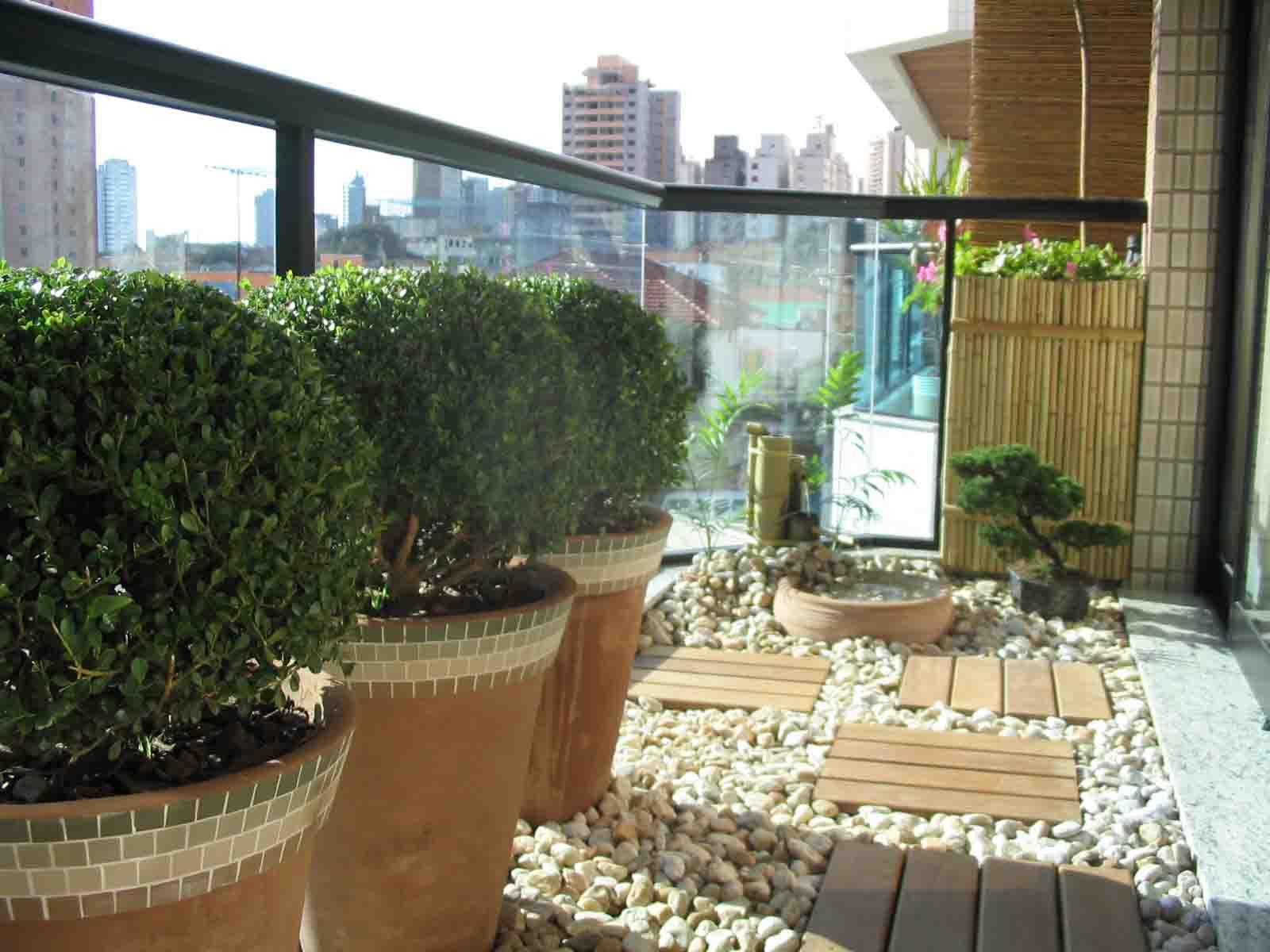Jardim para sacadas e varandas dicas de paisagismo for Apartamentos con jardin