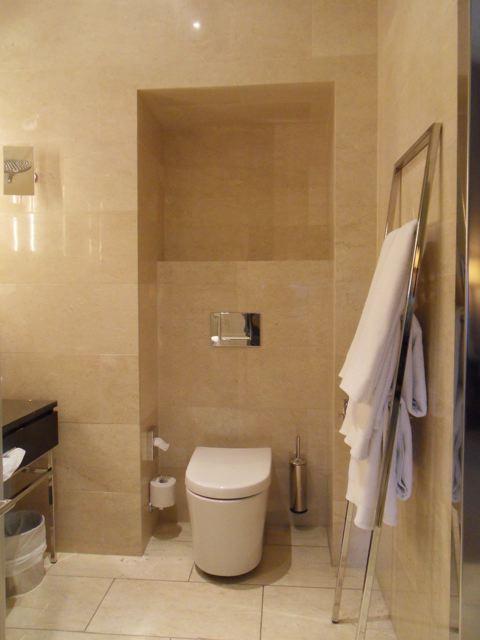 Revestimentos bege para banheiro  Decorando Casas -> Decoracao De Banheiro Pequeno Bege