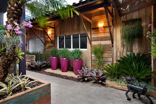 Para Um Local Com Pouco Espaço, é Possível Utilizar Uma Torre De ~ Flores Jardim Pequeno