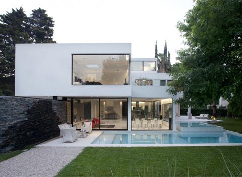 Projetos de casas modernas com telhado embutido for Casa moderna 1 11 2