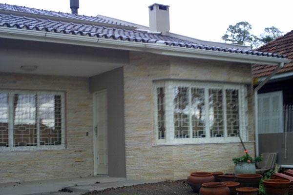 Revestimentos externos fachadas casas decorando casas for Modelos de fachadas para frentes de casas