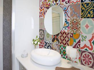 Azulejos-banheiros-pequenos-modernos