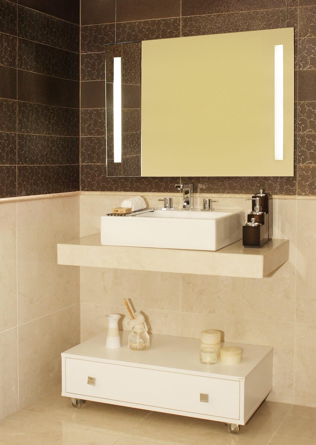 Espelhos para banheiros com luz Decorando Casas #956B36 1067 1502