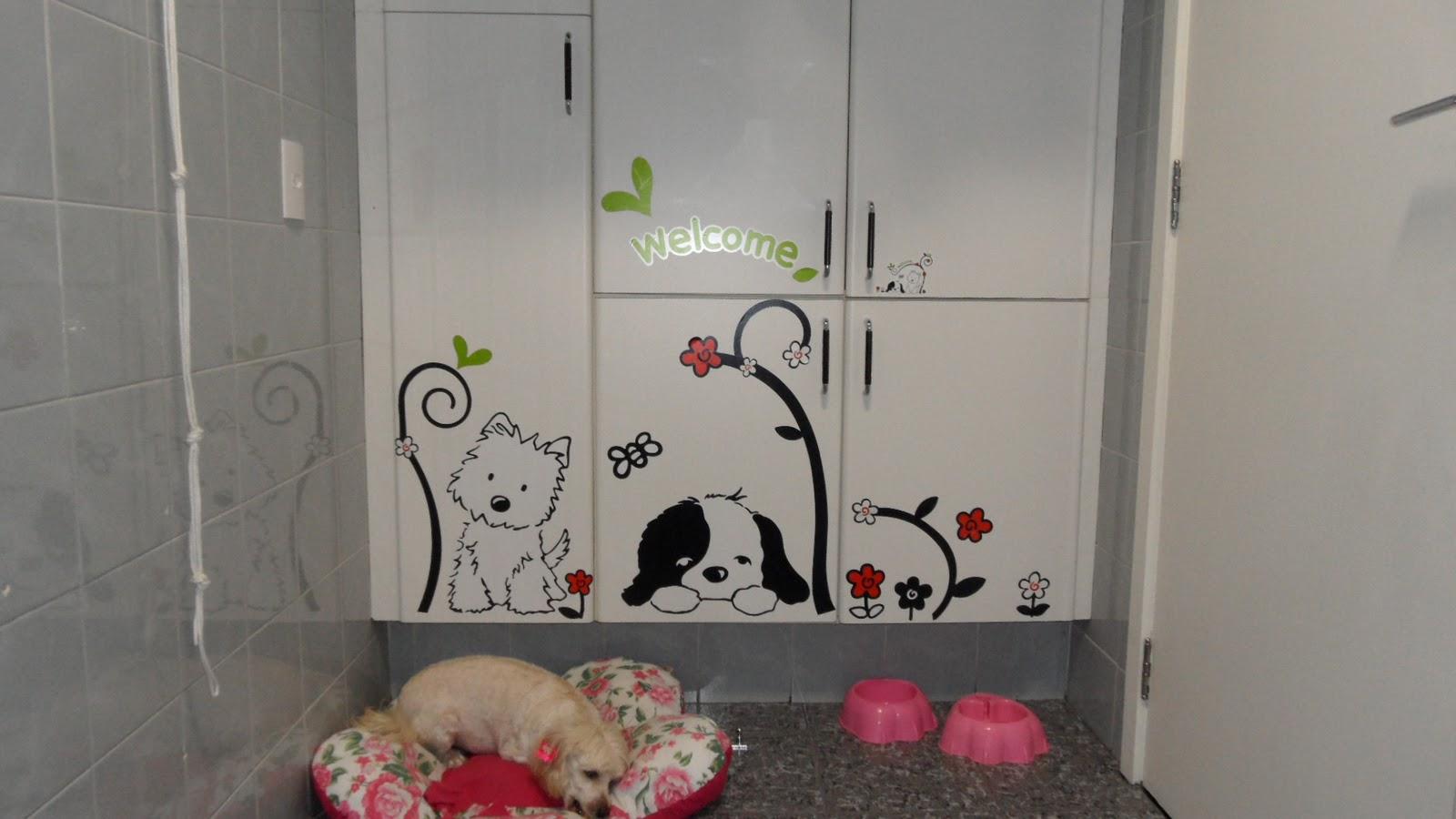 Como decorar banheiro com adesivos – Dicas decoração Decorando  #8E3D50 1600x900 Banheiro Com Azulejo De Flores