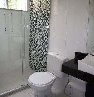 #474484 Decoração de banheiros simples e pequenosDecorando Casas 313x320 px Banheiro Simples Preto E Branco 2018 3799