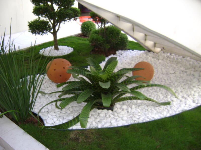 quintal jardim gloria:Garden Design Ideas with Pebbles