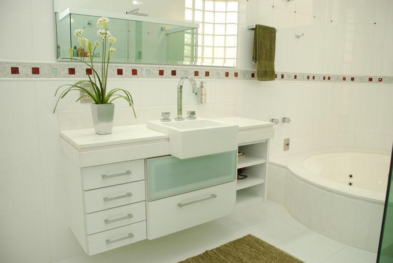 Banheiro Pequeno Pede Um Projeto De Móveis Planejados Pictures to pin on Pin -> Banheiro Pequeno Projeto