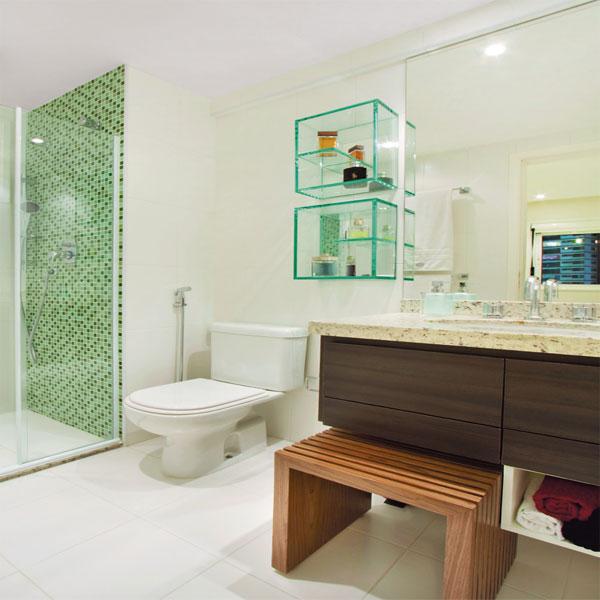 Banheiro pequeno pede um projeto de móveis planejados  Decorando Casas -> Banheiro Pequeno Decorado Verde