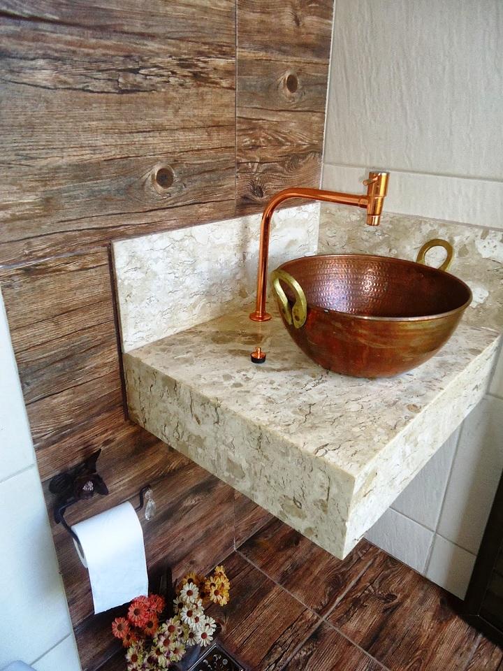 Revestimentos para banheiros rústicos  Decorando Casas -> Pia Para Banheiro Rustica