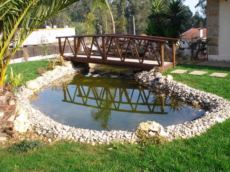 dicas de lagos e cascatas para jardim decorando casas