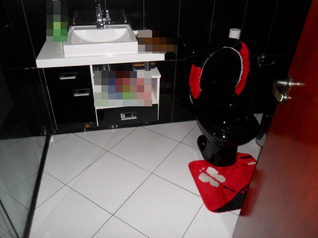 Revestimentos banheiro preto #B3091C 1024 768