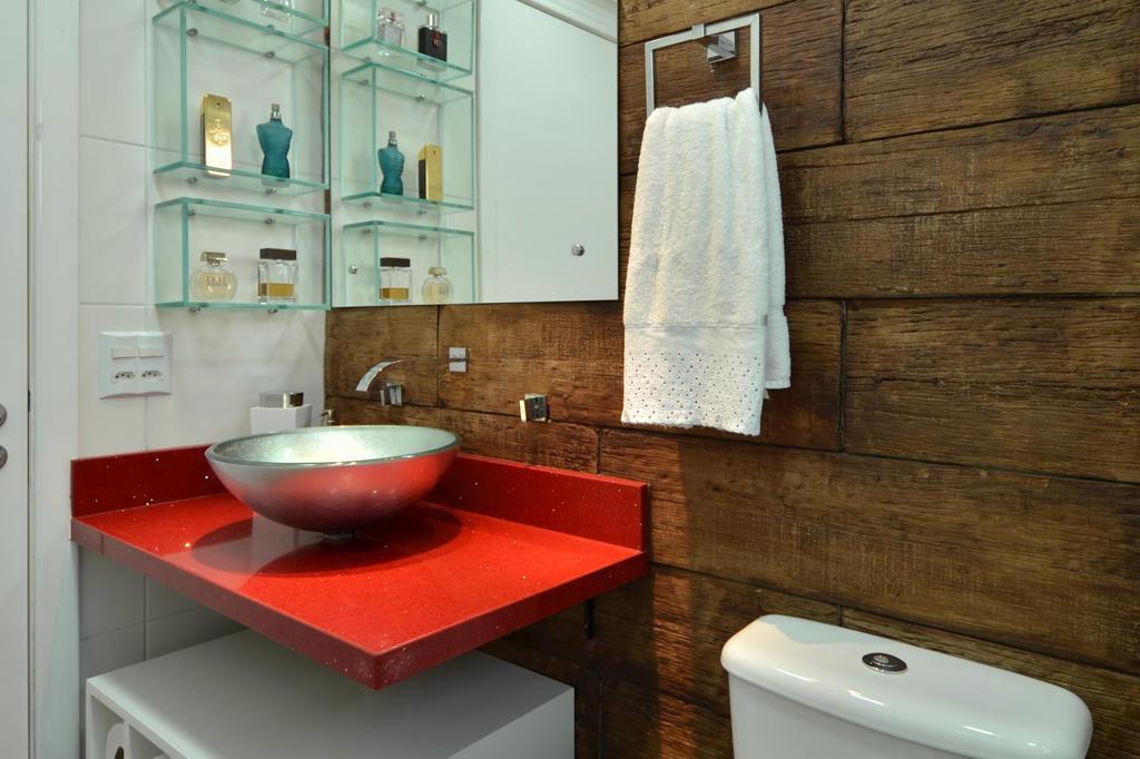 Revestimento de madeira para banheiro  Decorando Casas -> Banheiro Pequeno De Madeira