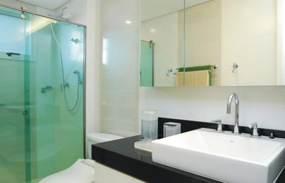 Espelhos e o seu banheiro decorado  Decorando Casas -> Banheiro Decorado Com Material Reciclado