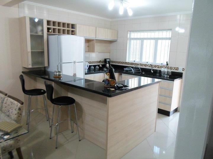 Cozinhas planejadas pequenas com bancada de granito