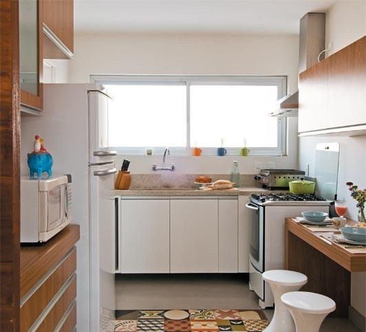 Armario Embaixo Janela : Cozinhas planejadas pequenas com janela decorando casas