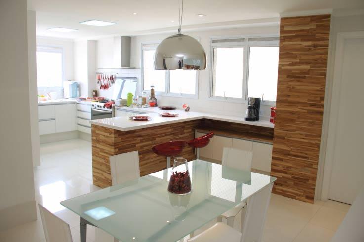 Balcão-cozinha-americana-revestimento-madeira
