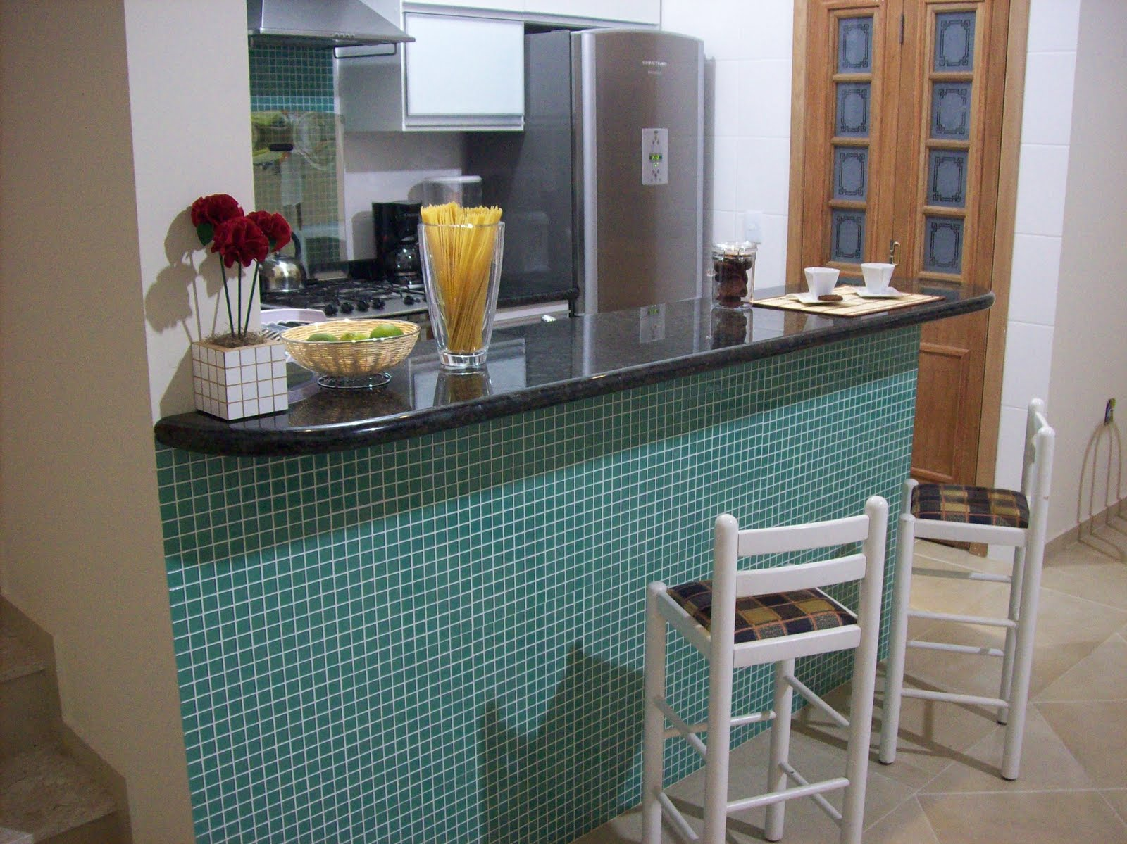 #664838 Balcão de cozinha de mármore – Fotos Decorando Casas 1600x1199 px Balcão De Mármore Cozinha Americana #1097 imagens