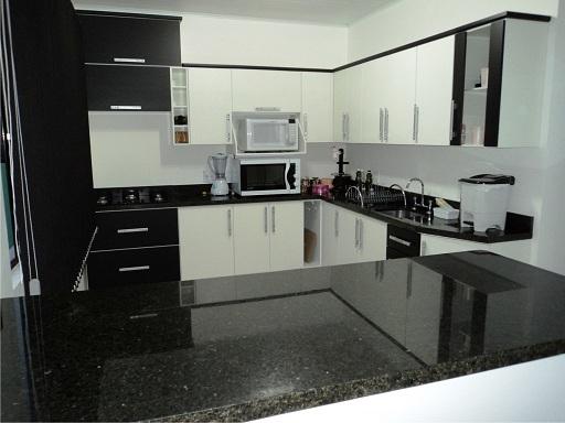 Cozinha planejada preta e branca   Decorando Casas