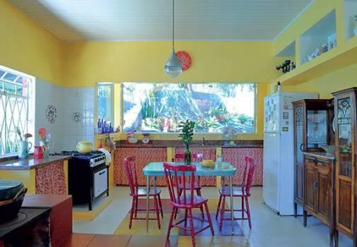 Como decorar cozinha de maneira simples e barata for Fotos de casas modernas brasileiras