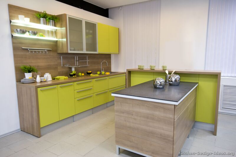 decoracao cozinha verde:Green Two Tone Kitchen Cabinets