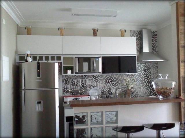 Como-decorar-cozinha-de-apartamento-com-pastilhas-preta