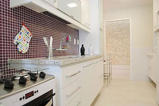 Como decorar cozinha de apartamento com pastilhas for Decorar piso pequeno fotos