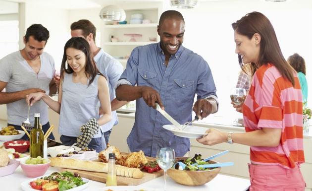 Como receber visitas em casa sem gastar muito