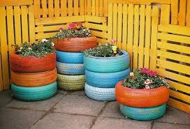 Decoração-com-pneus-coloridos-velhos-e-usados