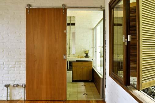 Fotos de portas de correr para quarto  Decorando Casas -> Banheiro Pequeno Porta De Correr
