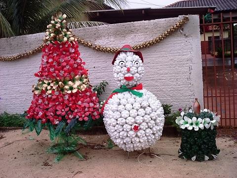 decoração-de-natal-simples-e-barata-para-jardim
